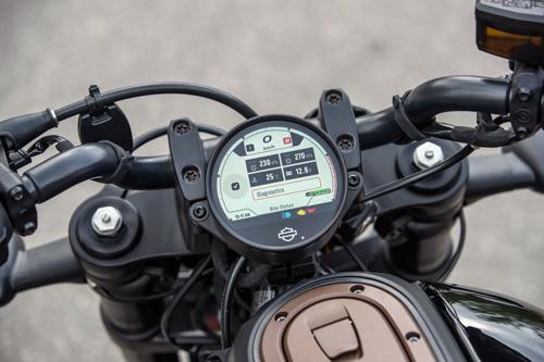 2021-Harley-Davidson-Sportster-S-dash-3