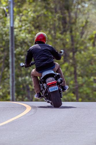 2021-Harley-Davidson-Sportster-S-driving-away