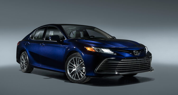 2021-Toyota-Camry-XLE-1