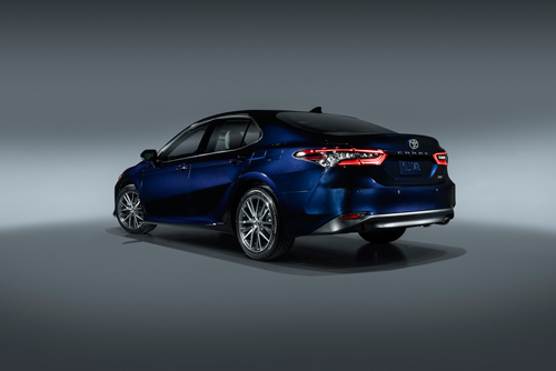 2021-Toyota-Camry-XLE-rear
