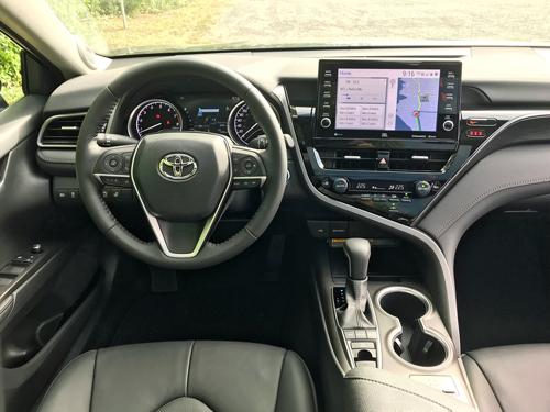 2021-Toyota-Camry-dash