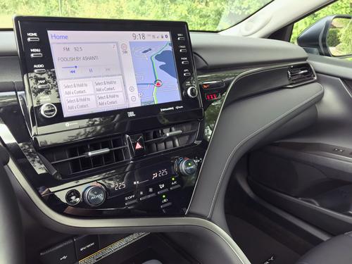 2021-Toyota-Camry-infotainment