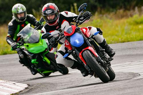 2021_Ducati_Monster-19