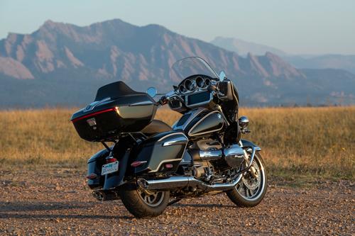 2022-BMW-R18-Transcontinental-rear