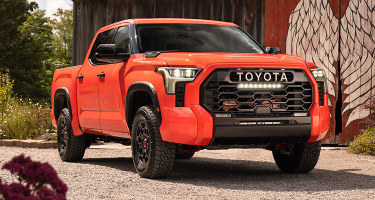 2022-Toyota-Tundra-front-side