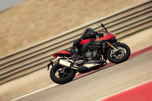 2022-Triumph-Speed-Triple-1200-RR-2