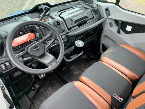 2021 Can-Am Defender-interior