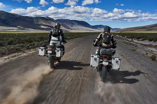 Saku-Moto-dirt-road-riding